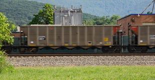 Wagons de chemin de fer expédiants images libres de droits