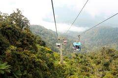 Wagony kolei linowej w dżungli Zdjęcie Royalty Free