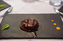 Wagyulapje vlees bij een buitensporig restaurant stock foto