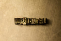 WAHL - Nahaufnahme der grungy Weinlese setzte Wort auf Metallhintergrund Lizenzfreie Stockbilder