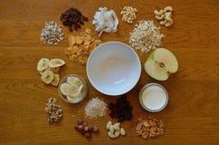 Wahl von Getreide zum Frühstück stockfotos