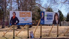 Wahlzeichen von Partei PC NDP PEI und PEI für die provinzielle Wahl 2019 in Charlottetown, Kanada lizenzfreies stockfoto