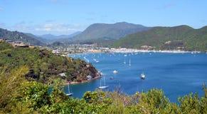 Waikawa海湾&小游艇船坞, Marlborough声音,新西兰 免版税库存照片