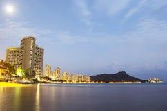 Waikiki τή νύχτα Στοκ Εικόνα