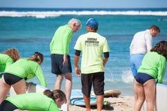 Μαθήματα κυματωγών Waikiki Στοκ φωτογραφίες με δικαίωμα ελεύθερης χρήσης