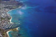 Waikiki alun som den Moana stranden parkerar, Kapiolani, parkerar hamnen, andelsfastigheter, Di Royaltyfria Foton