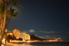 Waikiki bij nacht Stock Afbeelding
