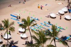 Waikiki bränningkurser Arkivbilder