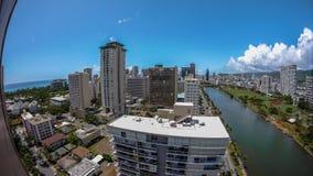 Waikiki hawaiano tropical urbano Honolulu fotos de archivo libres de regalías