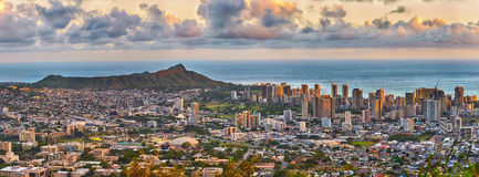 Waikiki i diament głowa od Tantalus punktu obserwacyjnego fotografia stock