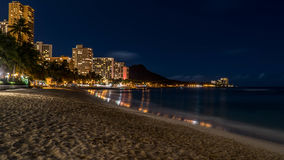 Waikiki plaża przy nocą Obraz Stock