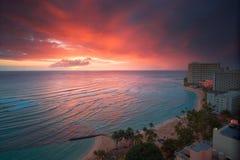 Waikiki Rücksortierungsonnenuntergang Stockfoto