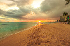 Waikiki strandsolnedgång Royaltyfria Bilder