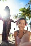Waikiki strandturist i Honolulu på Oahu Hawaii Fotografering för Bildbyråer