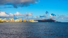 Waikiki und Diamant-Kopf lizenzfreies stockbild