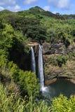 Wailua baja cascada hawaiana Imagen de archivo libre de regalías