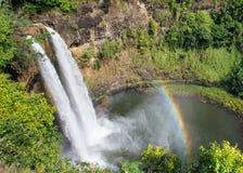 Wailua Fälle und Regenbogen Lizenzfreie Stockfotografie