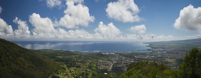 Wailuku和Kahului看法从Iao谷,毛伊,夏威夷,美国 免版税库存照片