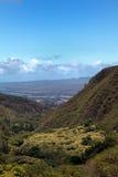Wailuku gesehen vom Iao Nadel-Nationalpark Stockbilder