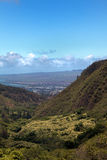Wailuku visto do parque estadual da agulha de Iao Imagens de Stock