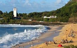 Waimea海湾巨大的shorebreak 免版税库存图片