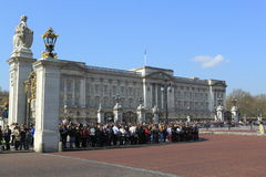 Tourists at Buckingham Palace Stock Photos
