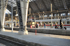 Passengers waiting for the train in Frankfurt Royalty Free Stock Photos