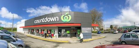 WAITOMO, NEUSEELAND - 31. AUGUST 2018: Außenansicht des Countdown-Supermarktes Es ist eine Neuseeland-vollservice-Supermarktkette stockfoto