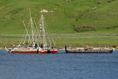 Waka Tapu Historic Voyage Arrived hem Arkivbilder