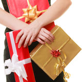 Wakacje miłości szczęścia pojęcie - dziewczyna z prezentów pudełkami Fotografia Royalty Free
