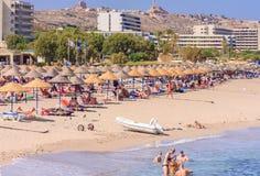 Wakacje przy morzem Kurort Faliraki Rhodes wyspa Grecja Fotografia Stock