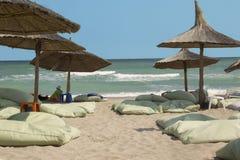 Wakacje przy nadmorski Idylliczny odpoczynek na plaży obrazy royalty free