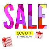 Wakacyjna sprzedaż z prezentem, reklamowym sztandarem na bielu i trójboka tłem, Czerwoni prezentów pudełka z faborkiem z 50 proce Obrazy Royalty Free