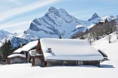 Wakacyjne chałupy w Braunwald, Szwajcaria Obrazy Stock
