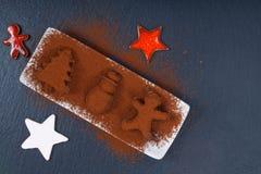 Wakacyjnego Karmowego pojęcia Domowej roboty Czekoladowa trufla w bożych narodzeniach i nowego roku wystroju kształcie na czerń ł Obrazy Stock