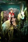 Wakacyjny nadokienny pokaz przy Bergdorf dobrym człowiekiem, NYC Fotografia Royalty Free