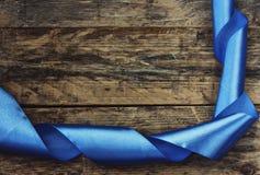 Wakacyjny tło z błękitnym faborkiem Zdjęcia Royalty Free