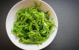 Wakame沙拉或海草沙拉 免版税库存图片