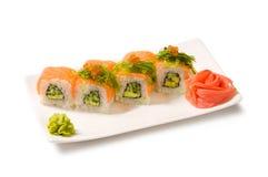 Wakame för hiyashi för Rolls laxkaviar Arkivbild