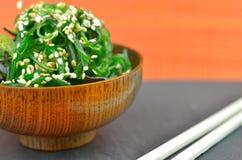 Wakame sałatka z sezamowymi ziarnami Zdjęcia Stock