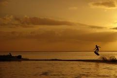 wakeboard захода солнца ii стоковые фотографии rf
