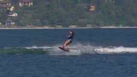 Wakeboard kobieta Skacze Motorboat zbiory wideo