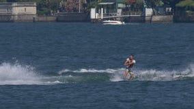Wakeboard mężczyzna skoku Motorboat zbiory