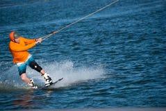 Wakeboarder con la cara enfocada imagen de archivo