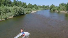 Wakeboarding на реке видеоматериал