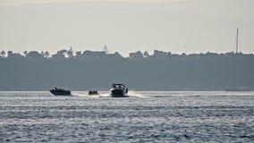 Wakeboarding et bateau de banane clips vidéos