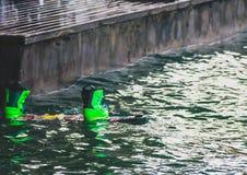 Wakeboarding, extremer Wassersport Setzen Sie an den Boden Stockfoto