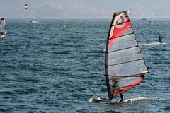 Wakebording auf dem See Lizenzfreie Stockfotografie