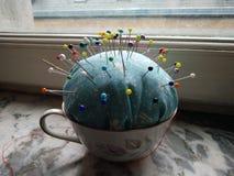 Wałkowa poduszka w teacup Zdjęcia Royalty Free