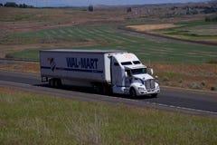Wal-Mart Semi-Truck imagen de archivo